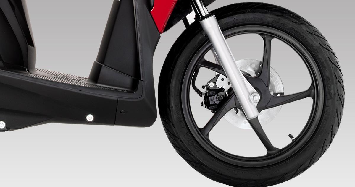 moto-honda-click-125i-especificaciones-cbs-frenos