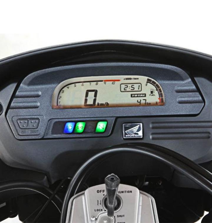 ficha-tecnica-moto-xre-300-cc-honda-Tablero-honda