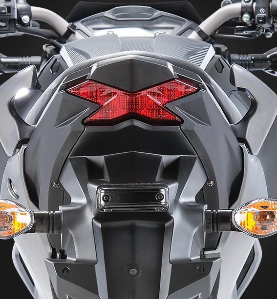 Diseño luz trasera de la moto honda cb 160f DXL