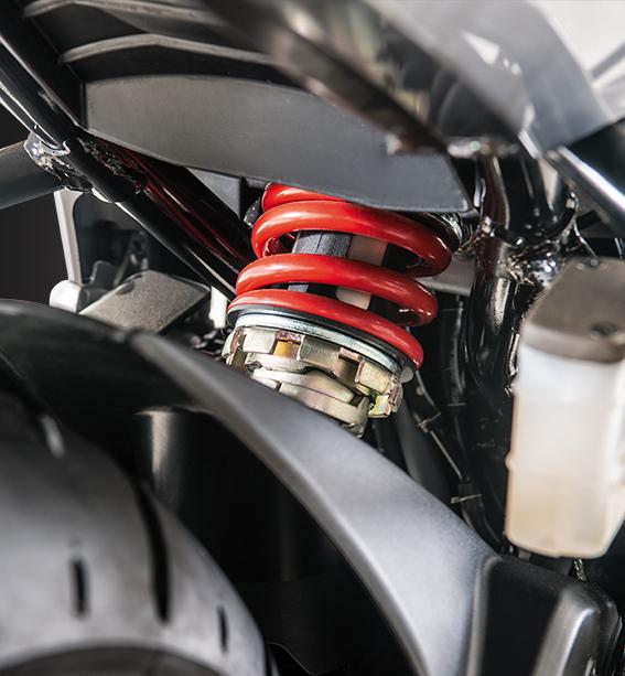 Diseño y seguridad de la moto honda CB160F DLX