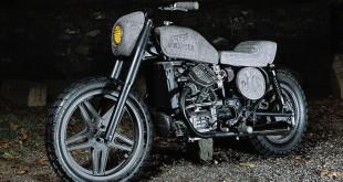 Moto-Honda-CX500-de-roca-volcanica